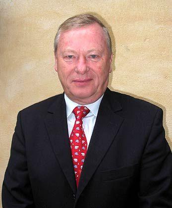 Walter von Kalm ist Unternehmensberater. Er lebt und arbeitet in Brasilien.