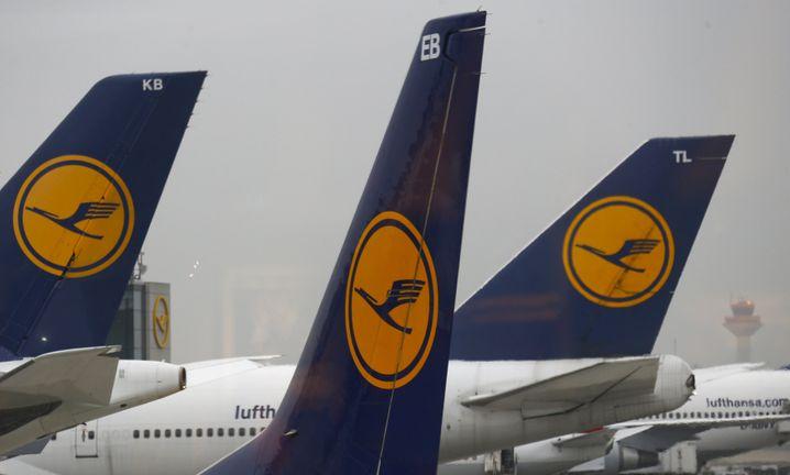 Flexibel sein: Besonders mit Lufthansa wird Fliegen gleich viel billiger, wenn man im Ausland startet.