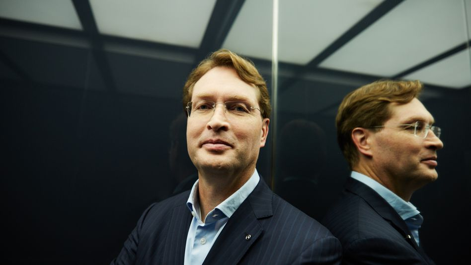 Schwedisch rational:Daimler-ChefOla Källeniusist kein emotionaler Typ. Entsprechend rational ist sein Kurswechsel: Schluss mit dem sturen Fokus auf Stückzahlen.
