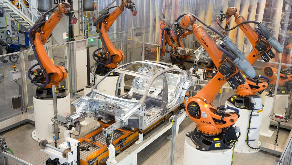 Industrieroboter im VW-Werk Emden