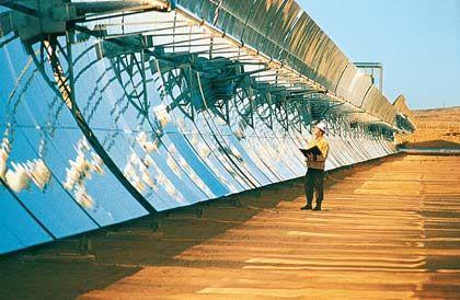 Parabolrinnenkraftwerk: Zwölf Firmen wollen die Sonne Nordafrikas für sie Stromgewinnung nutzen