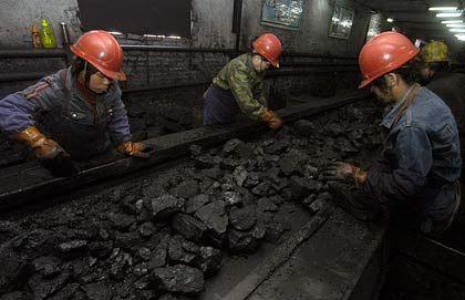 Kohle in China: Sie kommt nicht ausreichend vor, um den Rohstoffhunger des Landes zu stillen
