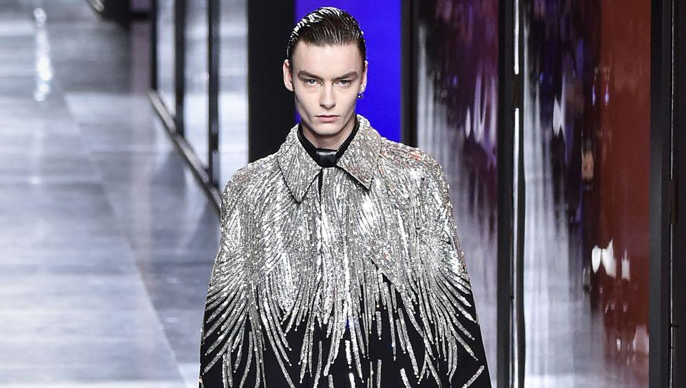 Wiegt schwer: Mantel von Dior für circa80.000 Euro