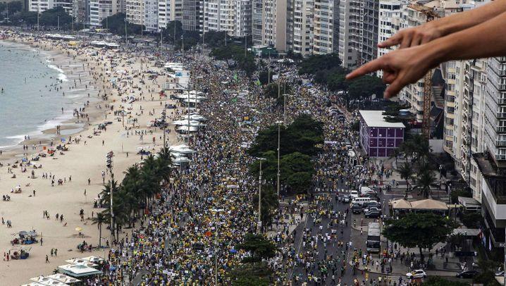 Brasilien: Hunderttausende demonstrieren gegen Regierung
