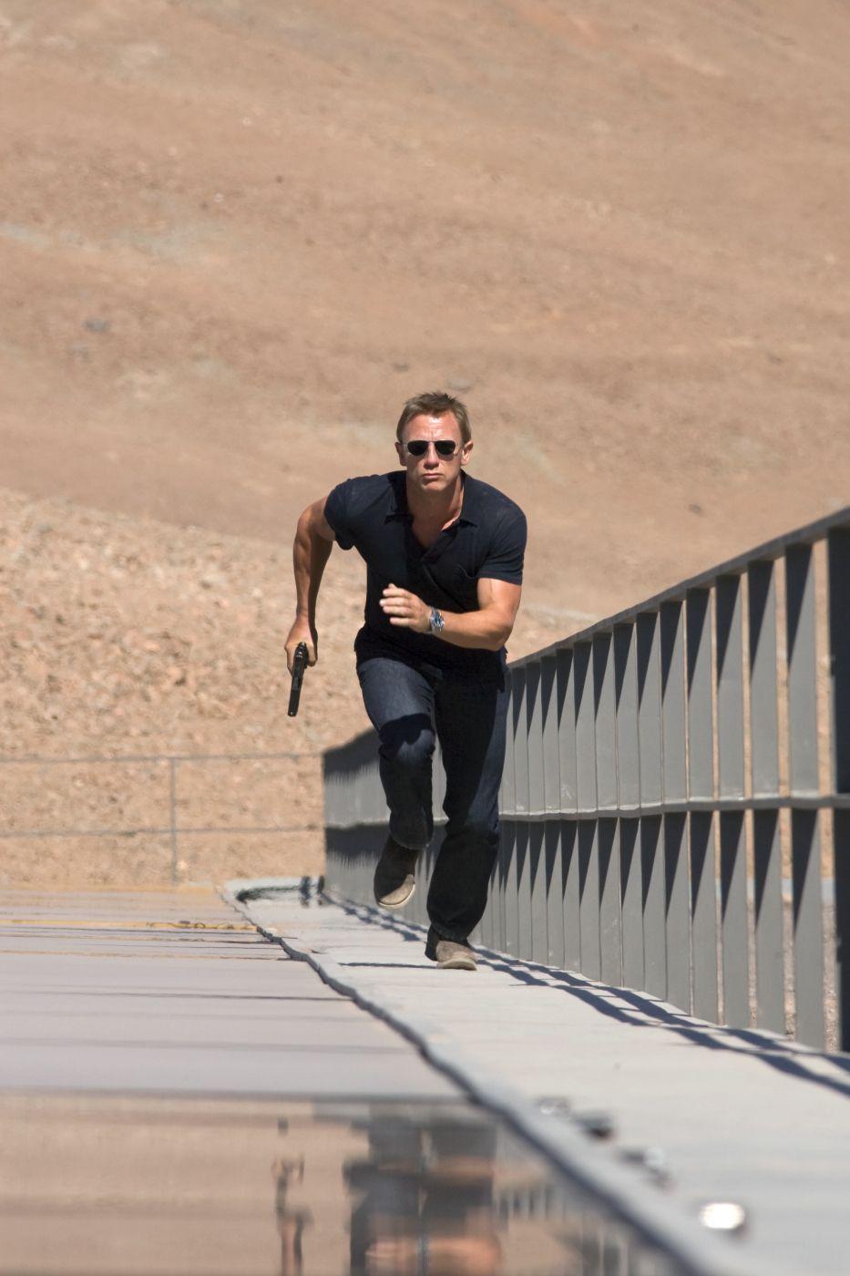 EINMALIGE VERWENDUNG Kinostarts - James Bond 007: Ein Quantum Trost