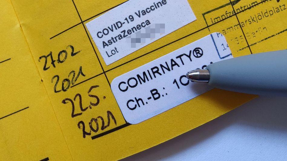 Kombilösung: Auch eine Kreuzimpfung von Astrazeneca als erster und Biontech als zweiter Impfdosis (Wirkstoff Comirnaty) kommt mitunter zum Einsatz