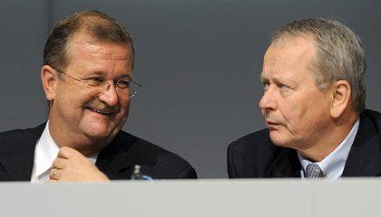 """""""Die Glaubwürdigkeit sicherstellen"""": Porsche-Aufsichtsratschef Wolfgang Porsche (rechts) und Vorstandschef Wiedeking"""