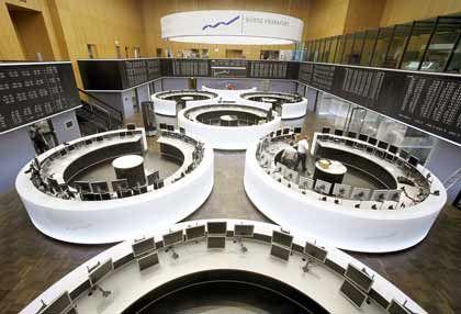 Neu gestalteter Handelssaal: Die Deutsche Börse hat am Aktienboom kräftig verdient