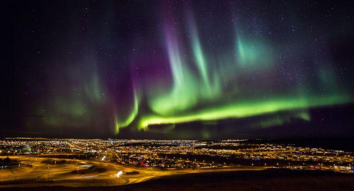 Himmelsleuchten: Im Farbenrausch des Polarlichts