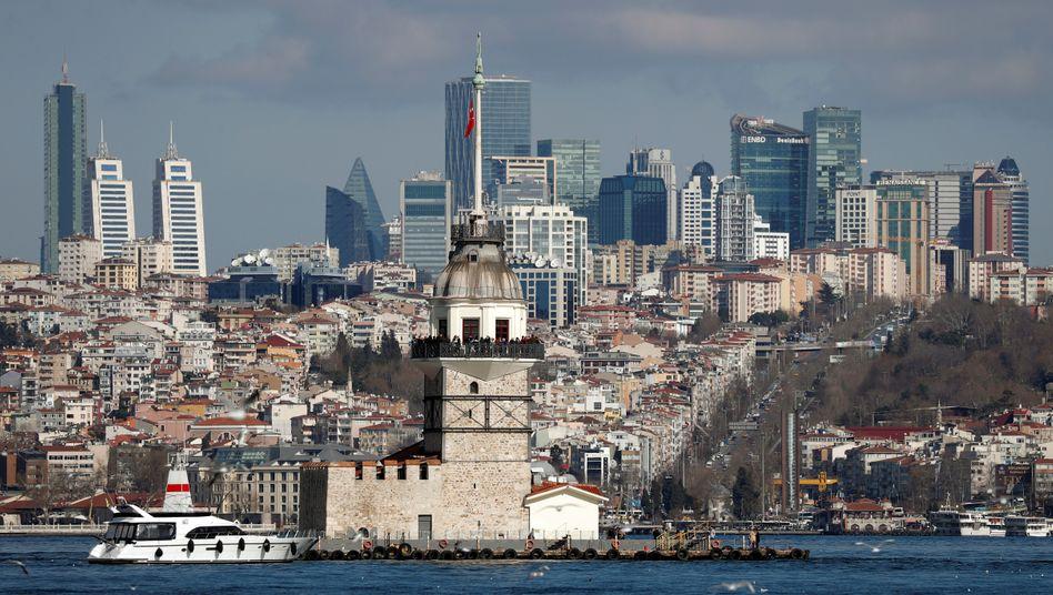 Coronavirus und Syrien-Konflikt setzen türkischer Lira zu