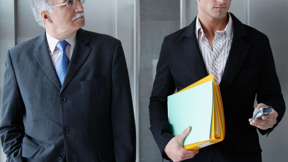 Erfahrung gegen Flexibilität: Während ältere Manager die stabilen 1990er Jahre erlebt haben, wurden die jungen Chefs durch wirtschaftliche Unsicherheit geprägt