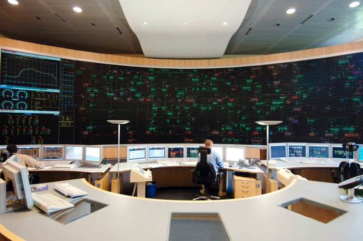 Alles unter Kontrolle: Netzwarte von Amprion im Rheinland