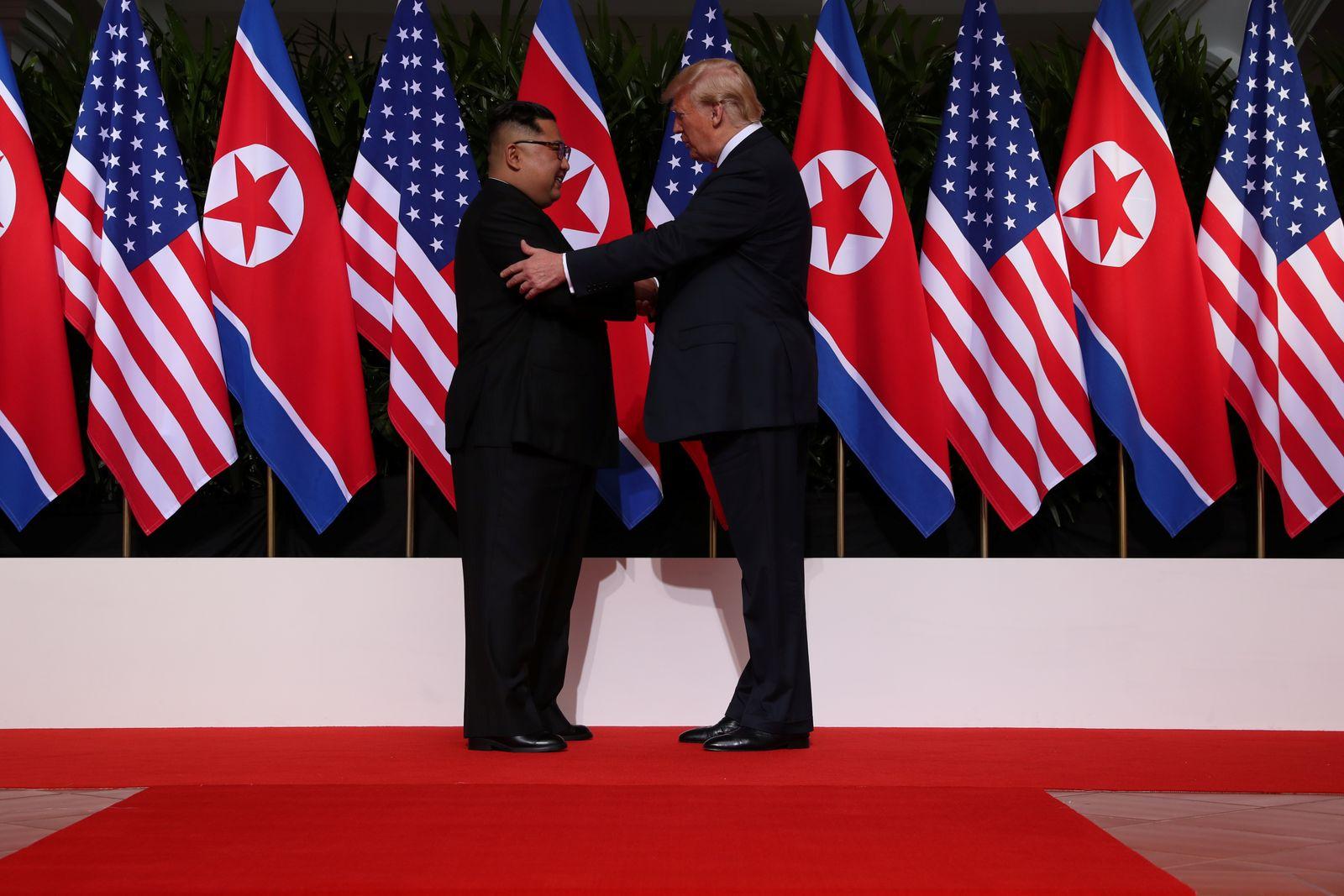 Kim Jong Un / Donald Trump / Arm