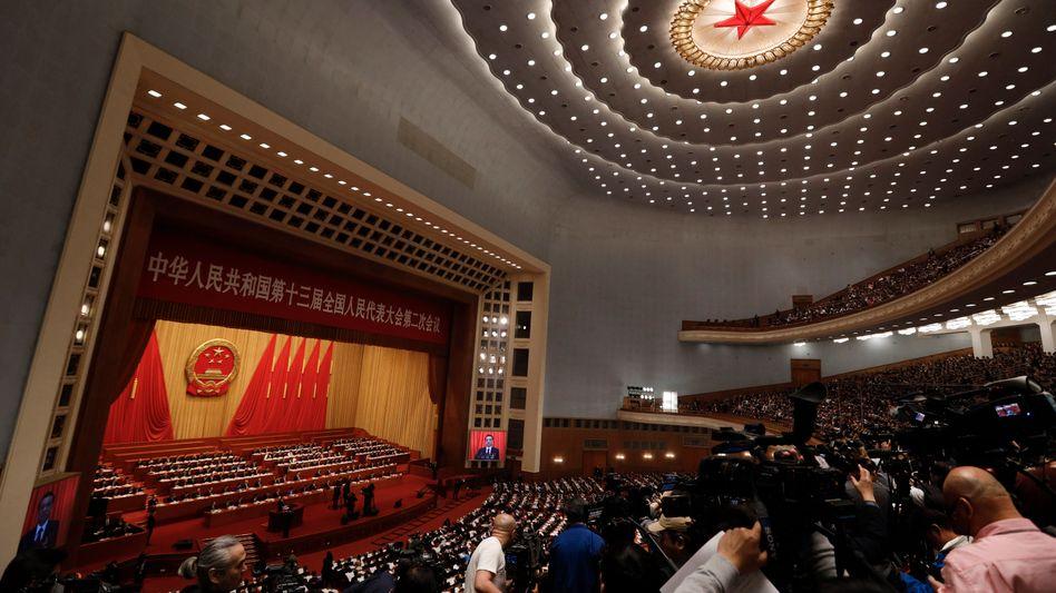 Chinas Ministerpräsident Li Keqiang bei der Eröffnung der Jahrestagung des Volkskongresses