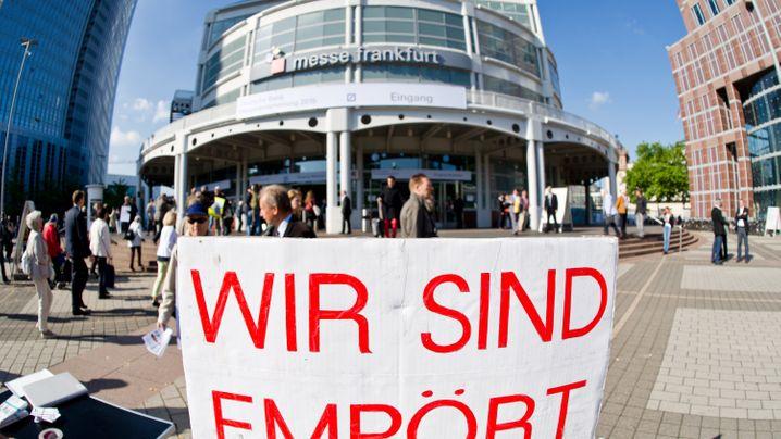Deutsche-Bank-HV: Aktionäre keilen gegen Jain und Fitschen