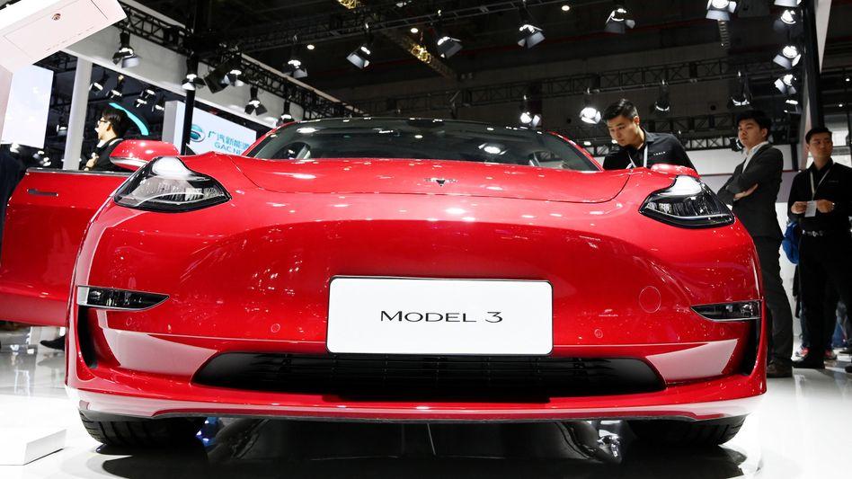 Tesla Model 3: Der Elektroautobauer Tesla hat von Juli bis September knapp 250.000 Fahrzeuge verkauft