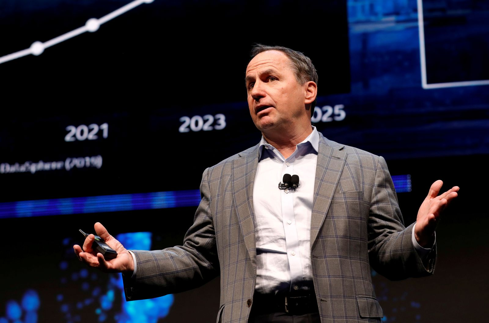 FILE PHOTO: Intel CEO Bob Swan speaks at an Intel news conference during the 2020 CES in Las Vegas