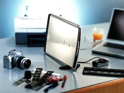"""Werkzeug für Hobbyfotografen: Scanner aus der """"LiDe""""-Serie von Canon mit Durchlichteinheit"""