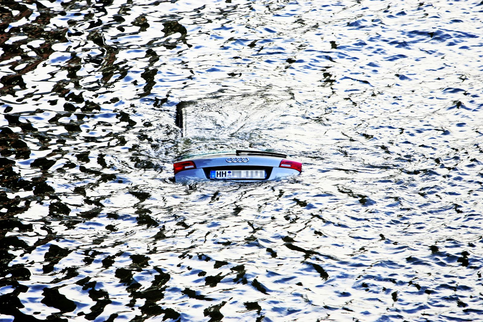 Hamburg Expects Storm Tide