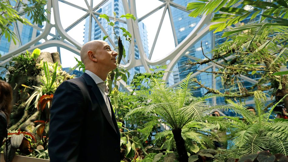 """Amazon Jeff Bezos beim Rundgang durch spektakulären Konzern-Neubau """"Spheres"""" in der US-Stadt Seattle"""