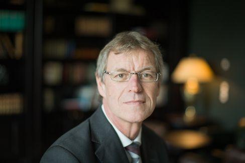 Küchenchef: Vorwerk-Boss Reiner Strecker verantwortet seit zehn Jahren die Geschäfte der Wuppertaler. Es mangelt an Wachstum und Gewinn.
