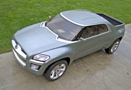 DaimlerChrysler lässt grüßen: Der Mitsubishi-Pickup interpretiert das Thema sehr frei