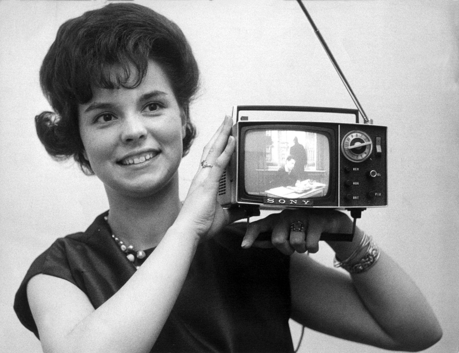 KaSP Funkausstellung - Transistorfernseher von 1963