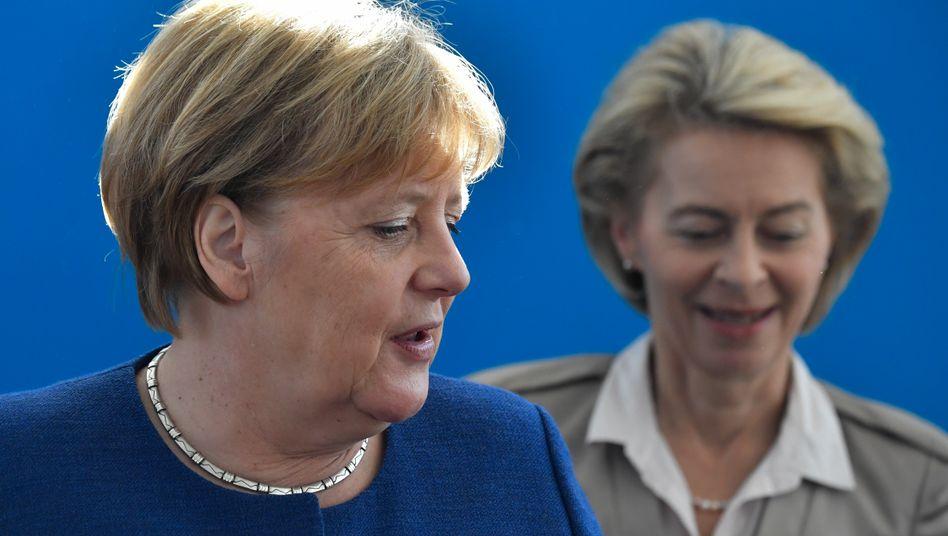 """Merkel kam mit """"ihrem"""" Kandidaten für das Amt des EU-Kommissionspräsident nicht durch, dann schickte sie überraschend Verteidigungsministerin Ursula von der Leyen ins Rennen - und gewann"""