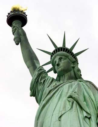 Freiheitsstatue in New York: Wie zurecht finden in der Millionenmetropole?