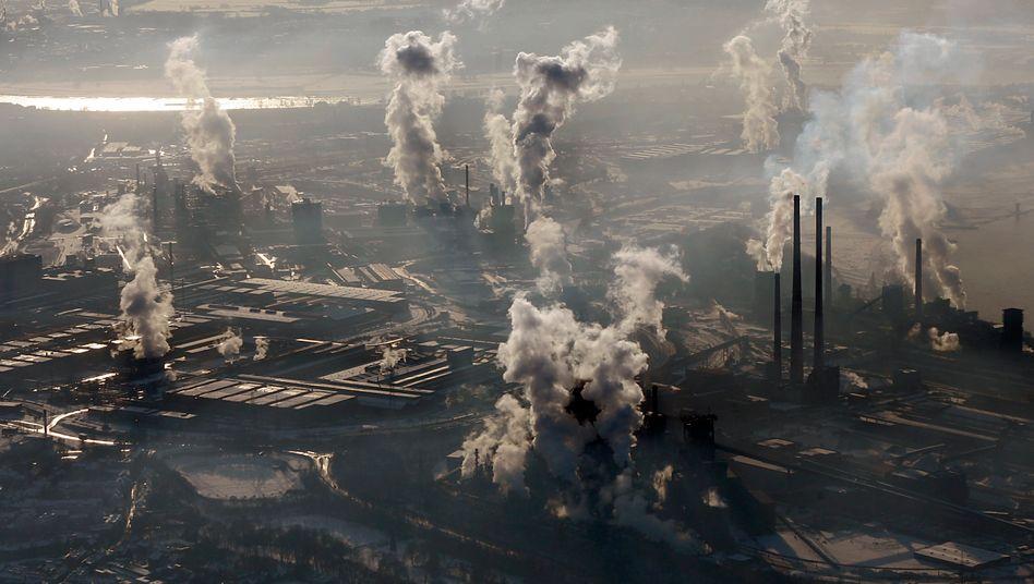 Noch rauchen die Schlote: ThyssenKrupp-Stahlwerk in Duisburg