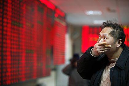 Kurstafel in Shanghai: Seit Herbst hat sich der Shanghai Composite Index halbiert
