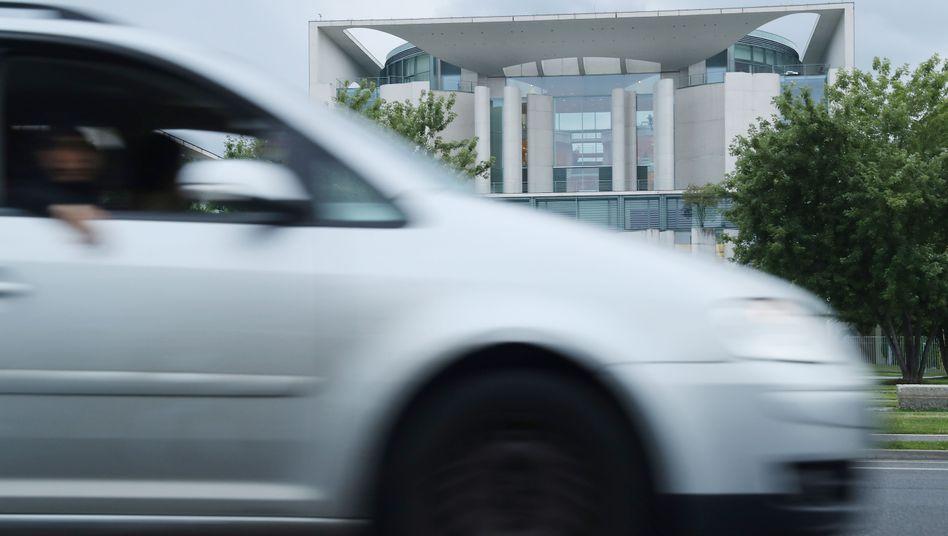 Wenige Wochen vor der Wahl hat das Kanzleramt die Dieselkrise zur Chefsache gemacht