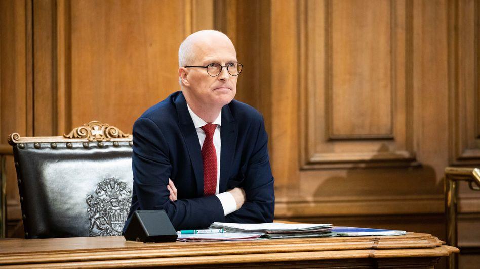 Bitte um Information zum Sachstand: Der heutige Hamburger Bürgermeister und damalige Finanzsenator Peter Tschentscher (55, SPD)