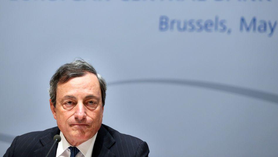 """EZB-Chef Draghi: """"Anleger könnten weniger auf Euro lautende Titel halten"""""""
