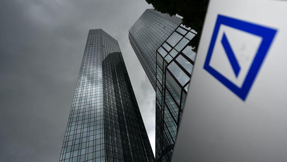 Deutsche Bank: Unter dem Strich fällt im ersten Quartal ein Verlust an