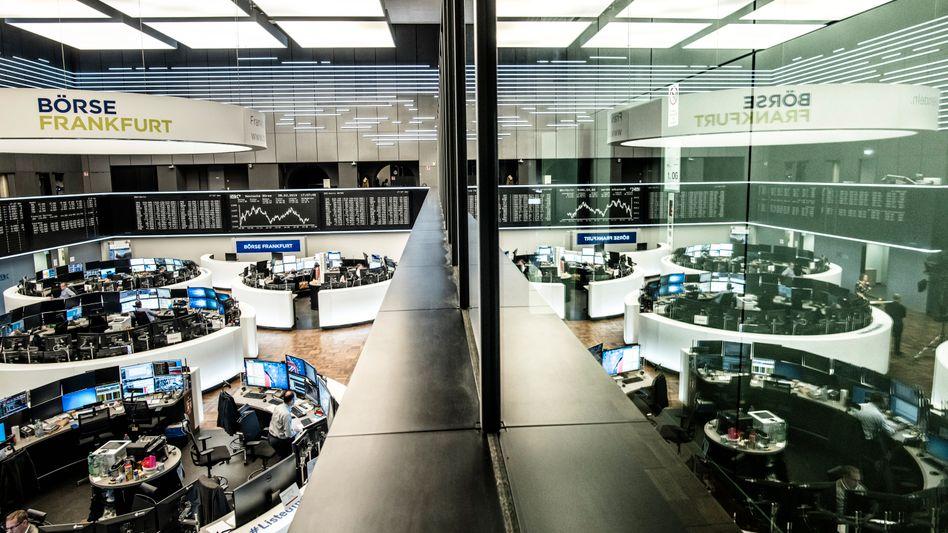 Die Deutsche Börse hat ein niedriges ESG-Risiko, so Sustainalytics. Durch den Kauf von ISS steigt der Dax-Konzern selbst ins Ratinggeschäft ein.