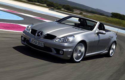 Mercedes SLK: Der Meister der offenen Klasse ist ein Schwabe. Okay, eigentlich ist der SLK ein Hanseat, wird der Klappdach-Roadster doch im Werk Bremen gebaut. Seinen Fans ist das egal, und davon gibt es reichlich. Mit über 20.000 verkauften Fahrzeugen (plus 150 Prozent) war der SLK 2004 Deutschlands meistverkauftes Cabrio.