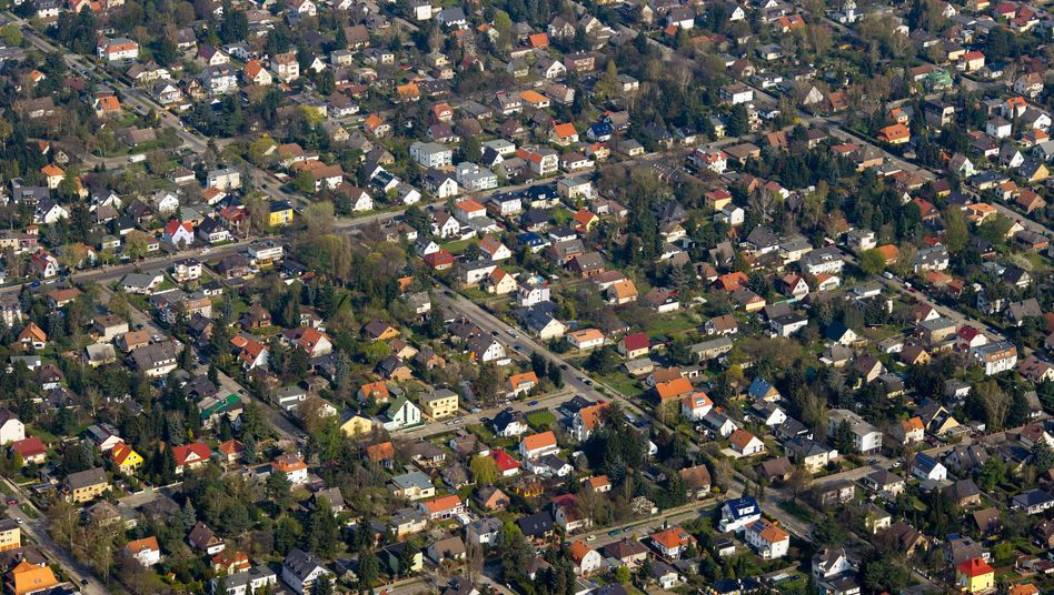 Siedlung am Rande Berlins: Wohnen im Umland von Großstädten wird durch die Corona-Krise attraktiver