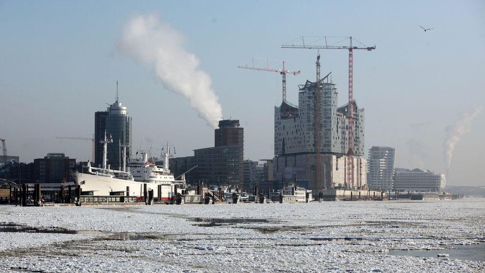 Eingefroren: Bei den eisigen Temperaturen gehen die Arbeiten auf deutschen Baustellen nur noch eingeschränkt voran