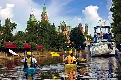 Zentrum: Ottawa ist Regierungssitz und mit seinen 29 Museen ein Magnet für Kulturfreunde - auf dem Parliament Hill hat das Parlament seinen Sitz
