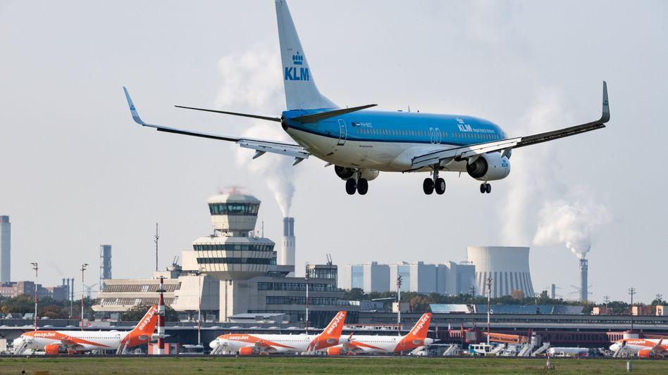 KLM-Flugzeug landet am 23. Oktober in Berlin-Tegel