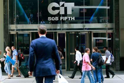 Unter schwebenden Lasten: 30 Milliarden Dollar Schulden und die Pleitewelle unter den Kunden bedrohen CIT