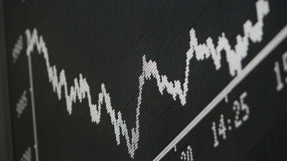 Der Dax beschließt das Jahr tief im Minus. Zwei Konzerne haben ihren Börsenwert halbiert. Doch es gibt 4 große Gewinner im Dax 30