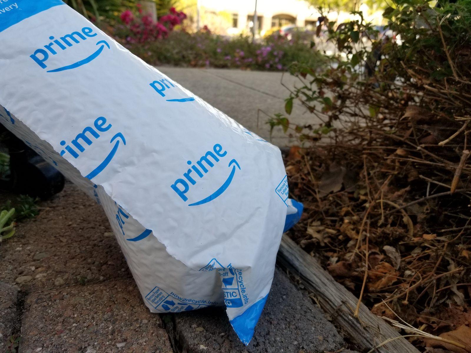 EINMALIGE VERWENDUNG Amazon prime Versandtasche aus Plastik