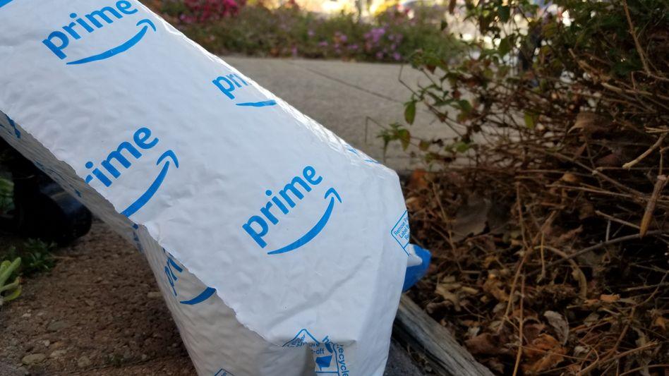Plastik-Verpackung von Amazon Prime