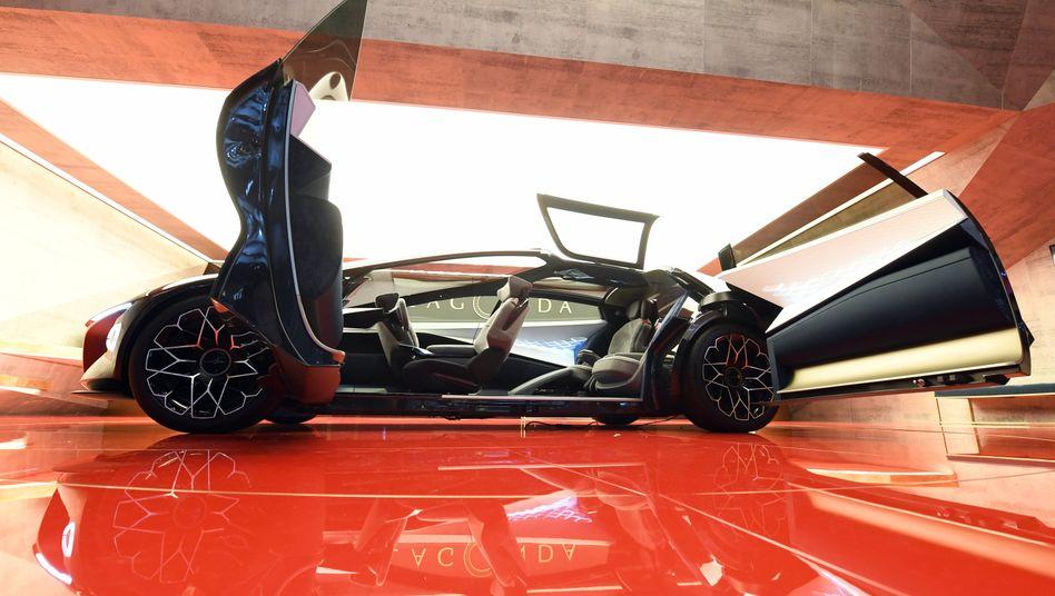 Stein des Anstoßes Aston Martins Elektroauto-Konzept Lagonda sorgt für wütende Reaktionen bei Rolls-Royce