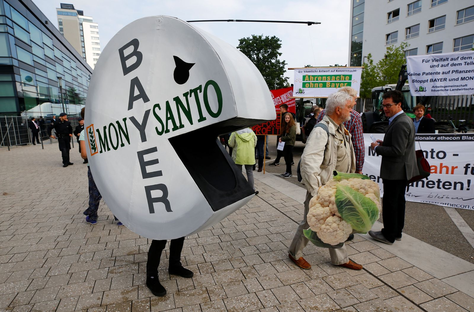 Demonstration / Bayer / Monsanto
