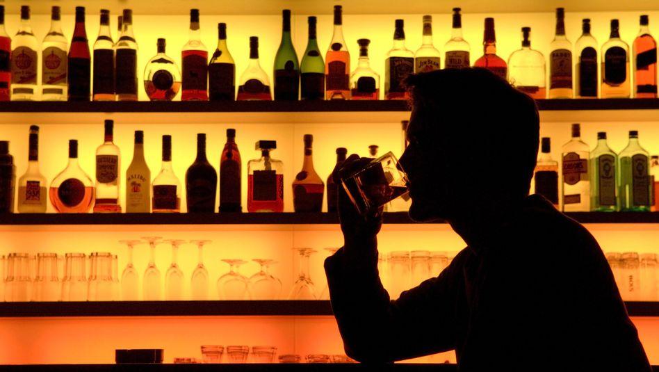 Satte Margen: Besonders bei Lifestyle-Spirituosen schlägt das Marketing erheblich zu Buche. Bei exklusiven Abfüllungen mit kleinen Auflagen sieht es schon wieder anders aus - und für kleine Hersteller sind die Rohstoffe teuer.