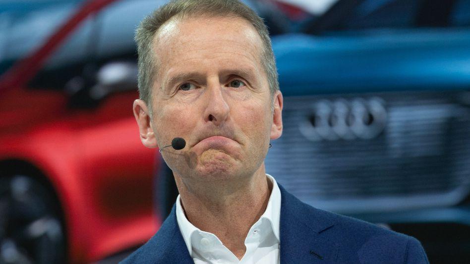 Zu zaghaft, zu langsam: VW-Chef Herbert Diess verlangt von seinen Führungskräften mehr Tempo beim Umbau des Konzerns zu einem digitalen Technologie-Konzern.