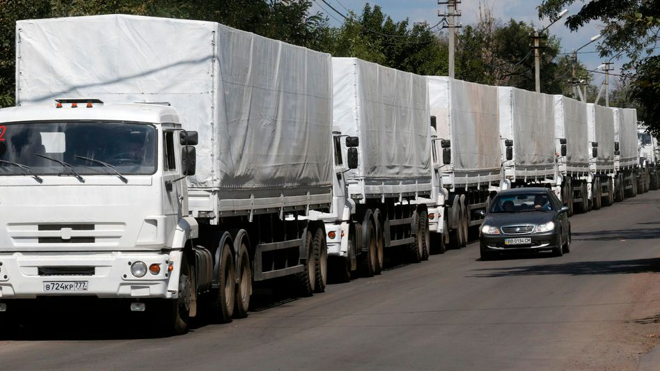 Unterwegs: 280 Lastwagen mit Hilfsgüter rollen auf die Stadt Lugansk zu